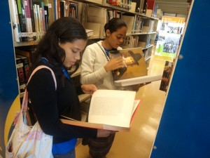 Biblioteca conta também com acervo histórico de jornais e revistas / Acervo