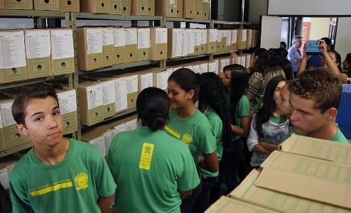 visita alunos Bonito - arquivo público