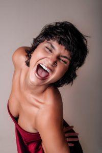 Som da Concha deste domingo será de muita música brasileira e rock com Ariadne e Simona