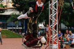 04-22-16 boca de cena - columpio - circo rebote9859