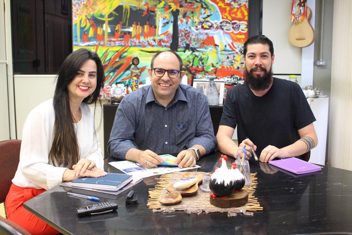 Reitor da UFMS Marcelo Turine e Caciano Lima gerente de patrimônio - julho 15, 2019 - foto 1449