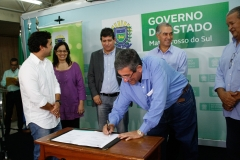 01-11-16 convenio governo e fcms com as ligas carnavalescas - 7182
